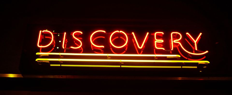 Discovery neon light